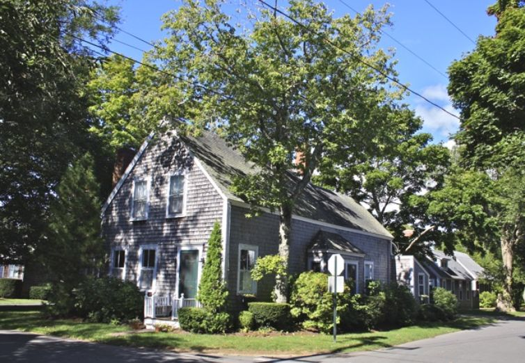 86 School Street Edgartown MA  - Photo 1