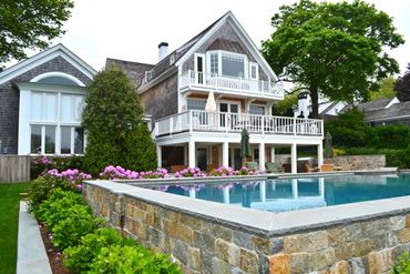 Martha's Vineyard Featured Home For Sale 16