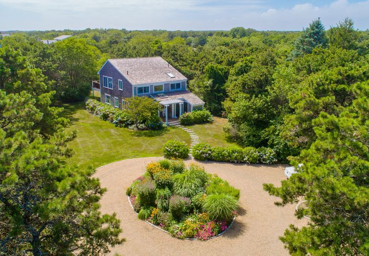 19 Hillman Drive Edgartown MA 02539 - Photo 1