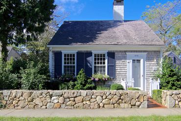 Photo of 10 Pease Point Way North Edgartown, MA 02539