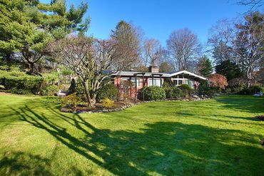 Photo of 11 George Lane Brookline, MA 02445