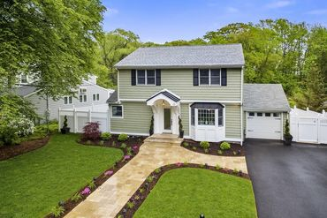Photo of 15 James Street Winchester, MA 01890