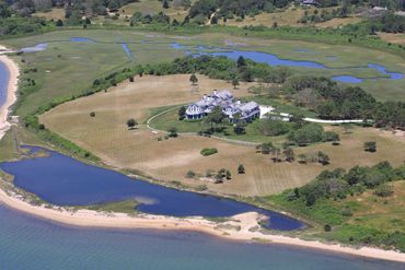Martha's Vineyard Featured Home For Sale 9