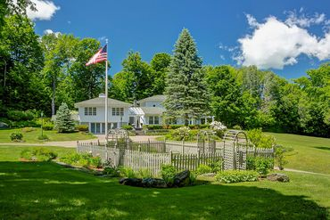 Photo of 1268 Golf Course Road Warren, VT 05674