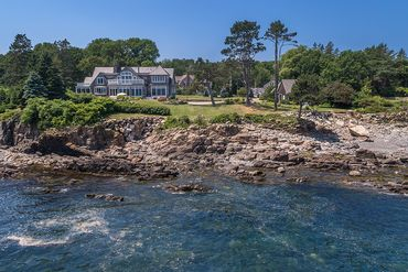 Photo of 371 Shore Road Cape Neddick, ME 03902