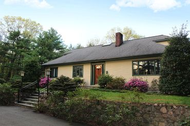 Photo of 8 Pine Street Dover, MA 02030