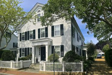 Martha's Vineyard Featured Home For Sale 18
