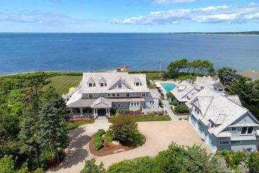 Photo of 43 Gunning Point Avenue Falmouth, MA 02540