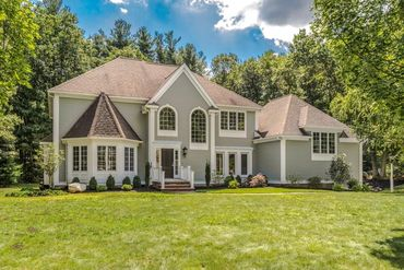 Photo of 33 Robinson Drive Bedford, MA 01803