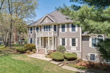 Photo of 64 Notre Dame Road Bedford, MA 01730