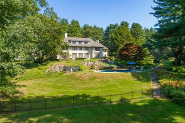 Photo of 345 Garfield Road Concord, MA 01742