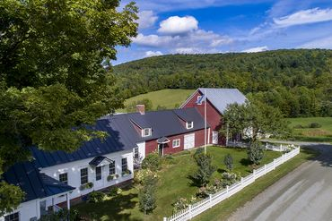 Photo of 2876 Hartland Hill Rd Woodstock, VT 05091