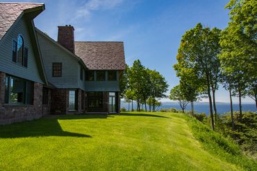 Photo of 203 Pheasant Hill Lane Shelburne, VT 05482