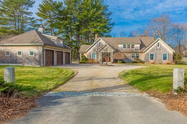 Photo of 792 Bay Road Hamilton, MA 01982