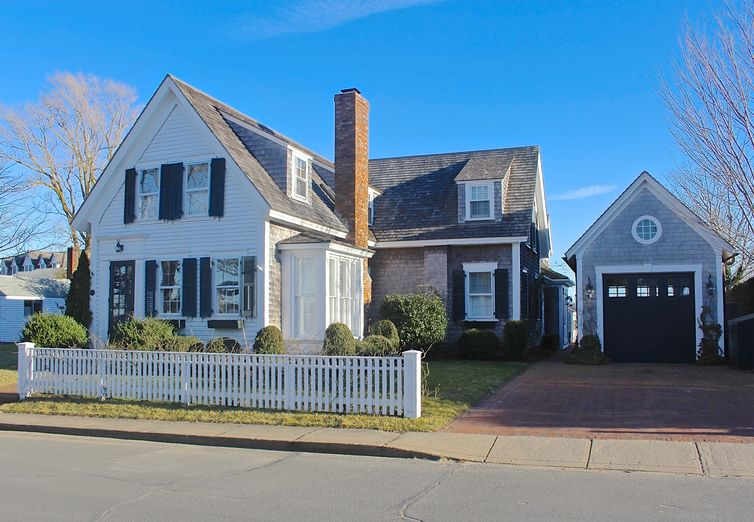 37 Fuller Street Edgartown MA 02539 - Photo 1