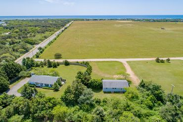 Photo of 320 Katama Rd Edgartown, MA 02539