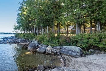 Lakes And Mountains Featured Home For Sale 2