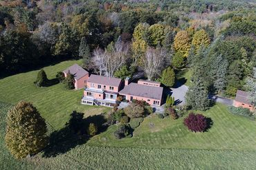 Photo of 90R Treat Farm Rd Stratham, NH 03885