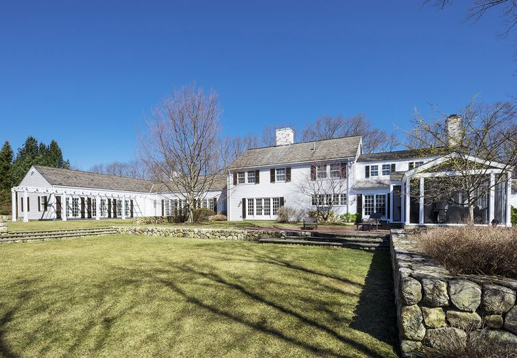 265 Country Drive Weston MA 02493 - Photo 1