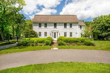 Photo of 60 Washington Street Sherborn, MA 01770