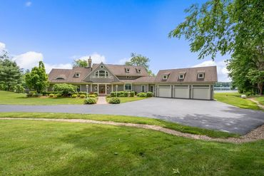 Photo of 98 Chickering Road Spencer, MA 01562