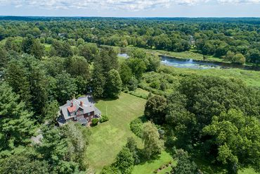 Photo of 93 Coolidge Rd Concord, MA 01742