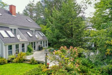 Photo of 149 Molyneaux Rd Camden, ME 04843