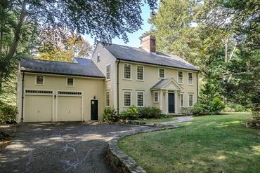 Photo of 8 Old Farm Road Wellesley, MA 02481