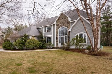 Photo of 7 Crestview Road Bedford, MA 01730