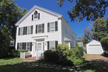 Photo of 82 North Water Street Edgartown, MA 02539
