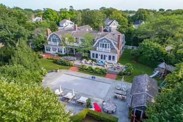 Photo of 9 Pierce Ln Edgartown, MA 02539