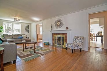 Photo of 15 Ivy Road Wellesley, MA 02482
