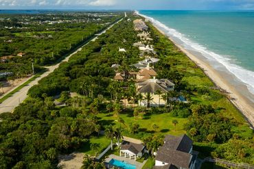 Photo of 221 Beachside Dr Vero Beach, FL 32963