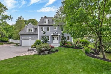 Photo of 32 Amberwood Drive Winchester, MA 01890