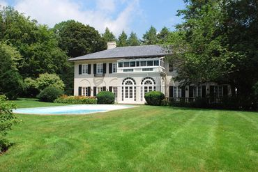 Photo of 39 Clyde Street Chestnut Hill, MA 02467