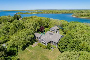 Martha's Vineyard Featured Home For Sale 22