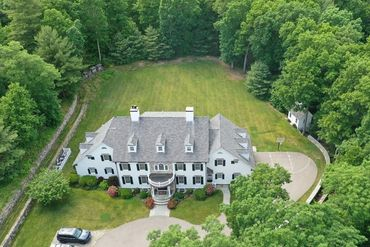 Photo of 2 Meadowbrook Road Weston, MA 02493