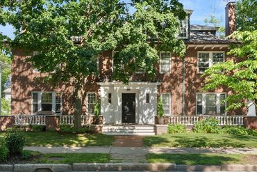 Photo of 251 Saint Paul Street #1 Brookline, MA 02446
