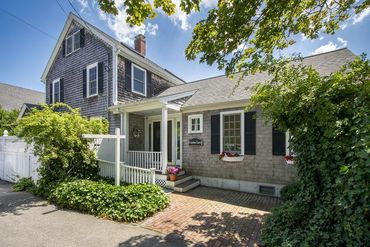 Photo of 185 Downer Avenue Hingham, MA 02043