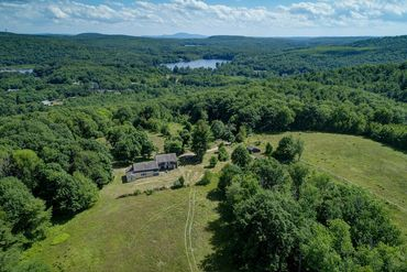 Pioneer Valley & Central Ma Featured Home For Sale 3