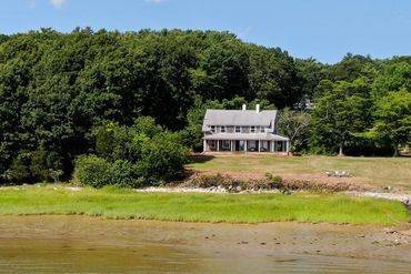 Photo of 60 Crescent Street Duxbury, MA 02332