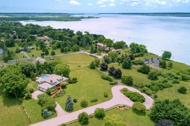 Photo of 95 Riverscape Ln Tiverton, RI 02878
