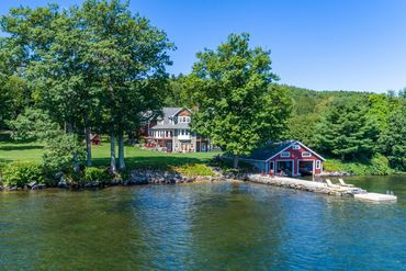 Photo of 6 Lakeview Landing Ln Center Harbor, NH 03226