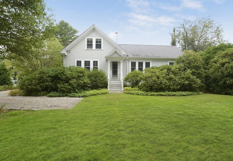 696 Smith Neck Rd Dartmouth MA 02748 - Photo 1