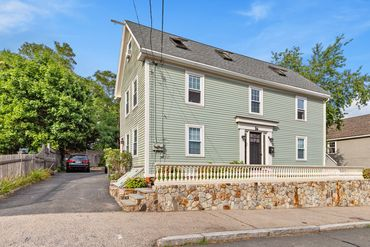 Photo of 56 Bartlett Street Beverly, MA 01915