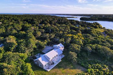 Photo of 7 Litchfield Road Edgartown, MA 02539
