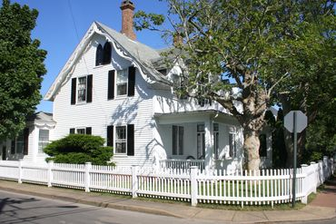Photo of 33 Cottage Street Edgartown, MA 02539