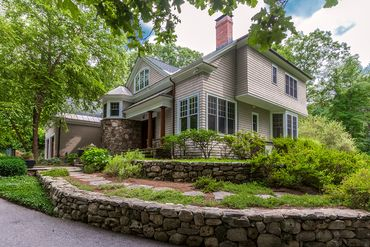 Photo of 136 Weston Road Lincoln, MA 01773