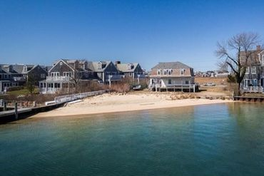 Photo of 46 Easton Street Nantucket, MA 02554